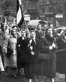 1956_asszonyok_tuntetese
