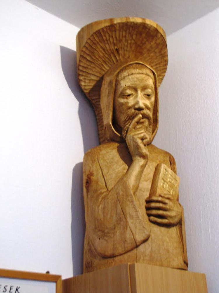 benedek szobor