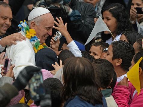 ferenc pápa fiatalokkal