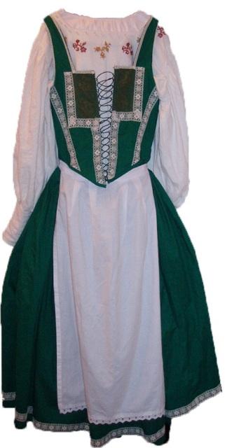 magyaros ruha