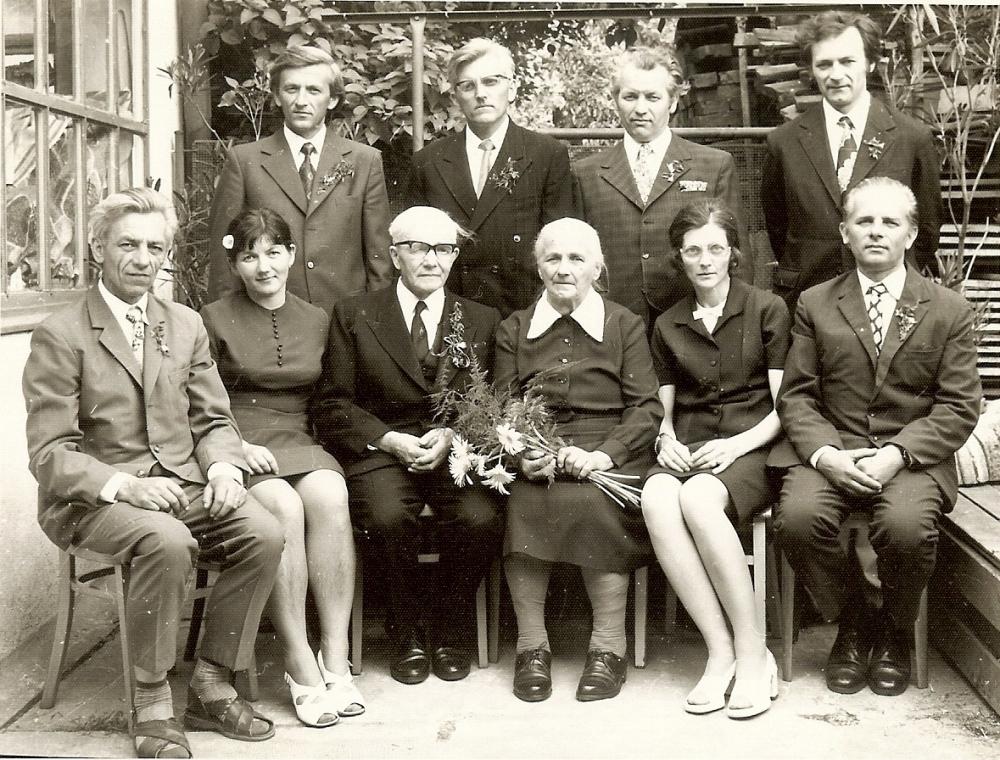 javorova család