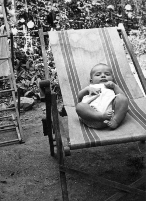 csecsemő 1965