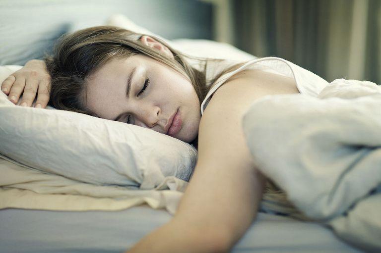 alvó nő 2016