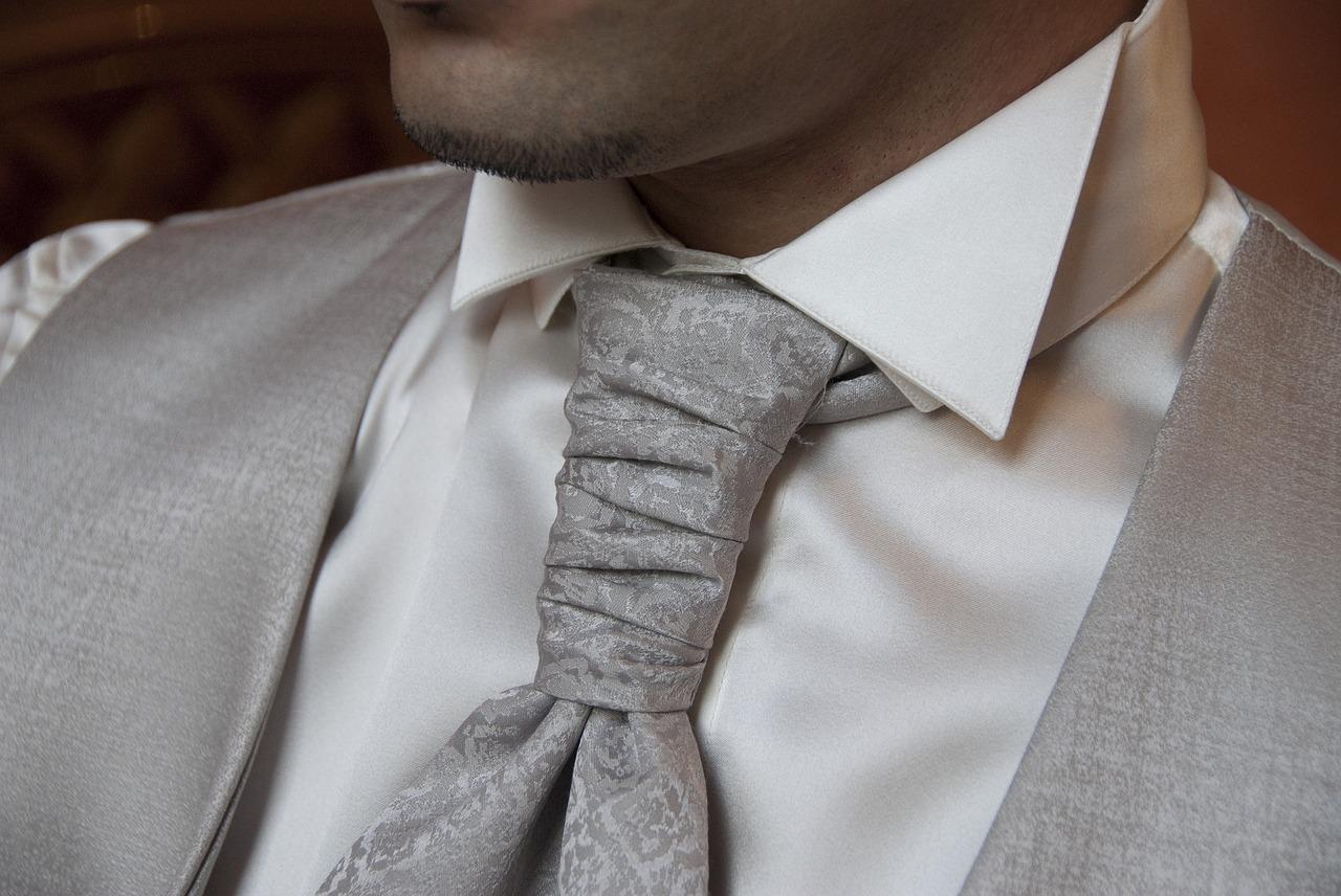 necktie-2191167_1280